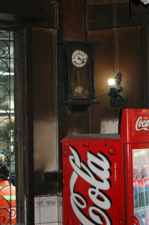 horloge-henri-ii-yong-lee-sukhumvit-bangkok.1268557258.jpg