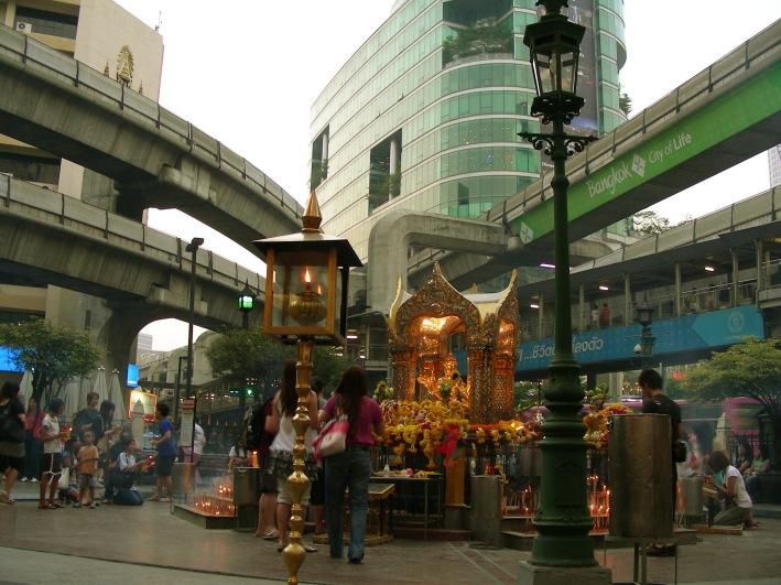 temple-erawan-bangkok.1268313133.jpg