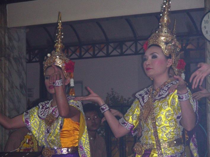 danseuses-erawan.1268313037.jpg